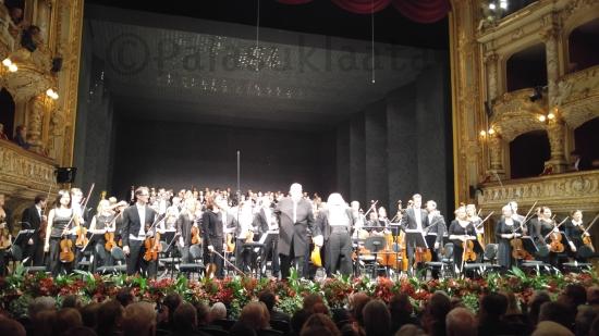 koko-orkesteri-ja-kuoro