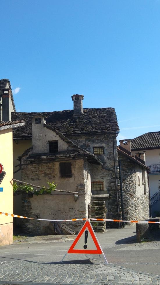 ticino vanha rakennus