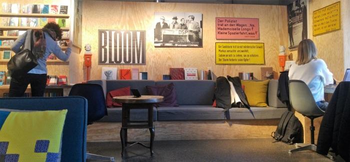 kirjasalonki 3 sohva p