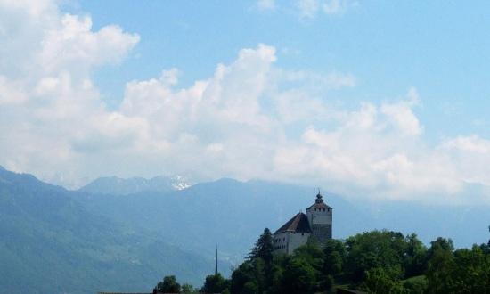 sveitsiläinen linna 4 p