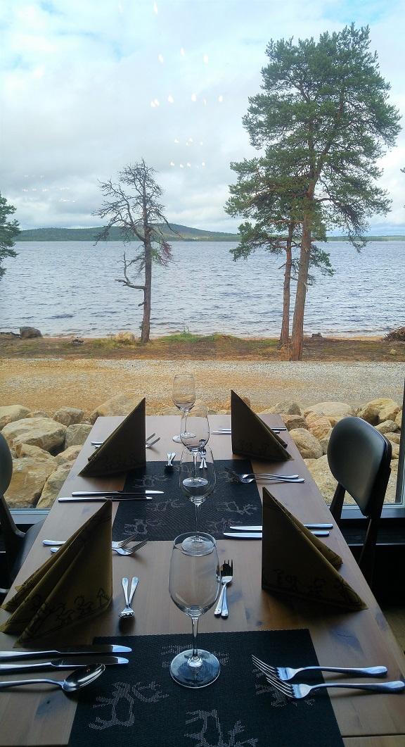 karhunpesäkivi 15 lounasravintola