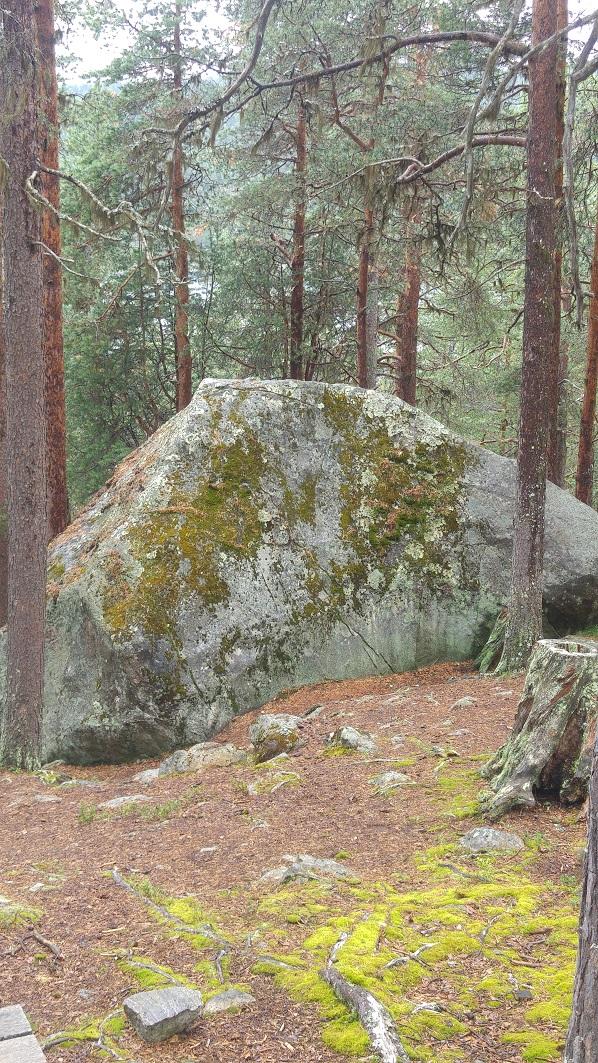 karhunpesäkivi 6 kivi p