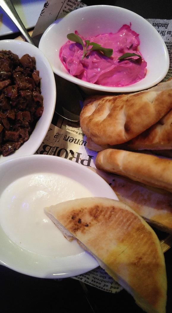 ruoka pk pe pita ja lisukkeet
