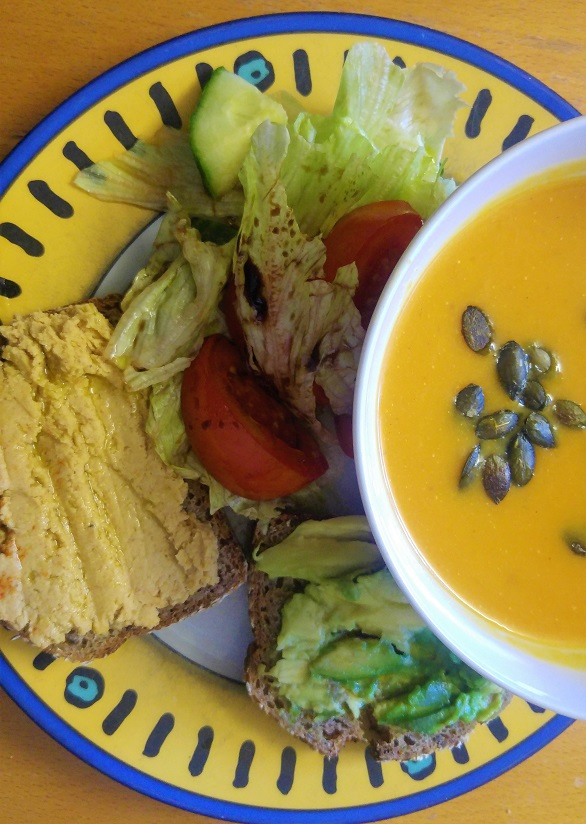ruoka pk to kupr keitto salaatti humus avocado